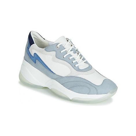 Geox D KIRYA women's Shoes (Trainers) in White