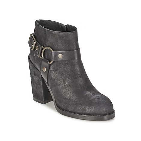 Ash FALCON women's Low Ankle Boots in Black