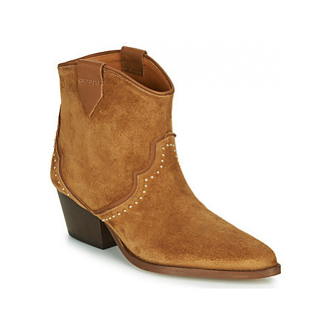 Betty London LOUELLA women's Low Ankle Boots in Brown