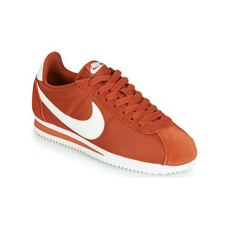 Nike CLASSIC CORTEZ NYLON W women's Shoes (Trainers) in Orange