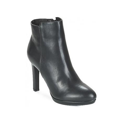 Buffalo YNOUM women's Low Ankle Boots in Black
