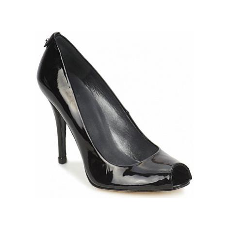 Stuart Weitzman LOGOFLAME women's Court Shoes in Black