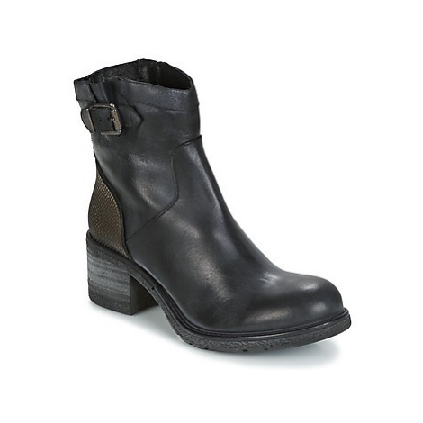 Meline FRAGOLINA women's Low Ankle Boots in Black