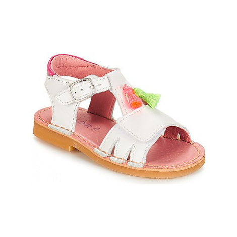 André LES PIPELETTES girls's Children's Sandals in White