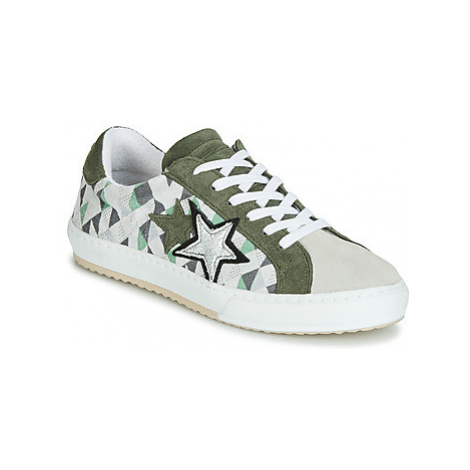 Mustang 2874302-277 women's Shoes (Trainers) in Green