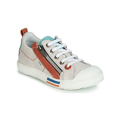 GBB STELLIO boys's Children's Shoes (Trainers) in White