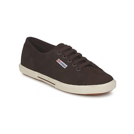 Superga 2950 women's Shoes (Trainers) in Brown