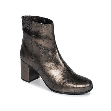 Unisa OMER women's Low Ankle Boots in Silver
