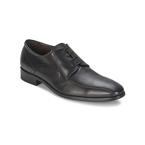 So Size CURRO men's Casual Shoes in Black