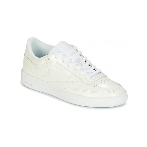 Reebok Classic CLUB C 85 PATENT women's Shoes (Trainers) in White