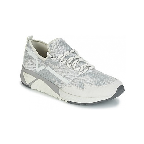 Diesel S-KBY men's Shoes (Trainers) in White
