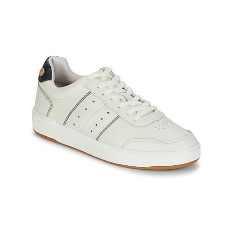 Faguo COMMON LEATHER men's Shoes (Trainers) in Beige
