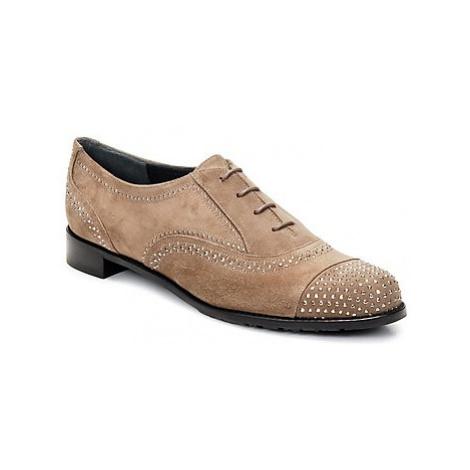 Stuart Weitzman DERBY women's Smart / Formal Shoes in Beige