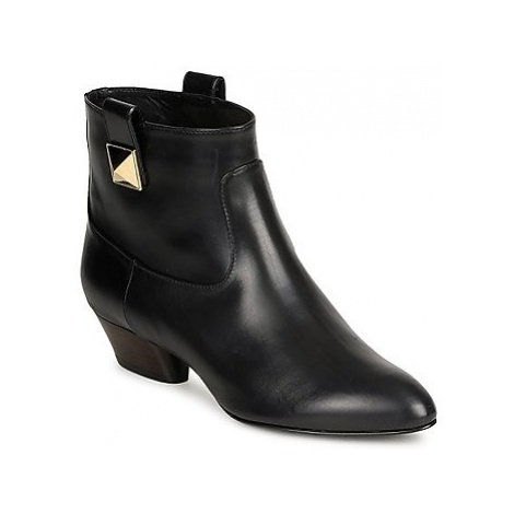 Marc Jacobs MJ19102 women's Low Ankle Boots in Black