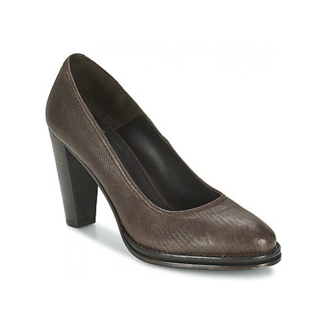 Fred de la Bretoniere LELYSTAD women's Court Shoes in Brown