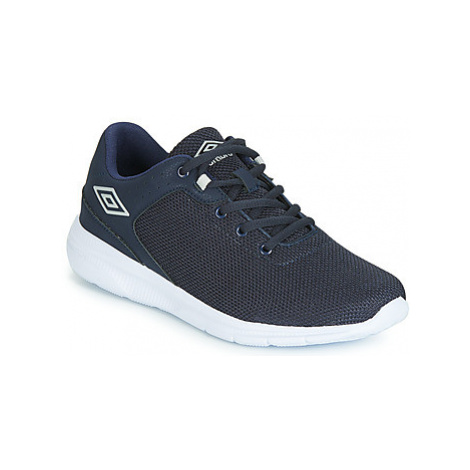 Umbro HILLOCK men's Shoes (Trainers) in Blue