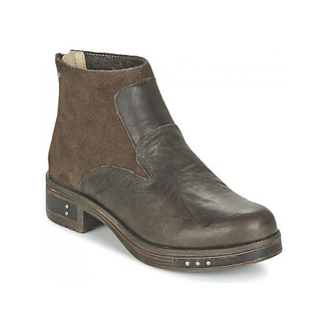 Caterpillar ZOE women's Low Ankle Boots in Brown