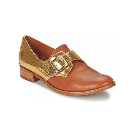 Chie Mihara DURUI women's Casual Shoes in Gold