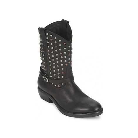 Catarina Martins - women's High Boots in Black