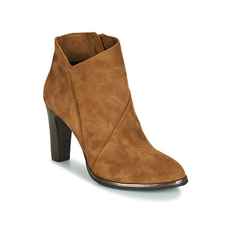Myma PELOUR women's Low Ankle Boots in Brown