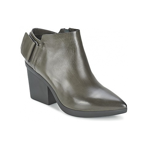 Vic REVEBE women's Low Boots in Grey