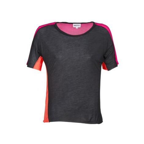 American Retro CAROLE women's T shirt in Black