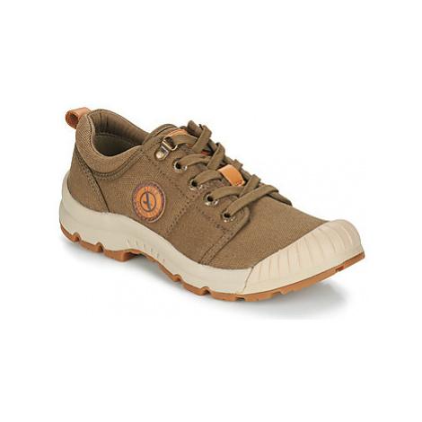 Aigle TENERE LIGHT LOW W CVS women's Shoes (Trainers) in Kaki