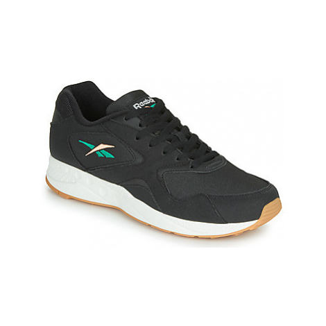 Reebok Classic TORCH HEX men's Shoes (Trainers) in Black