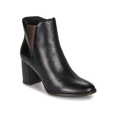Tamaris YLENIA women's Low Ankle Boots in Black