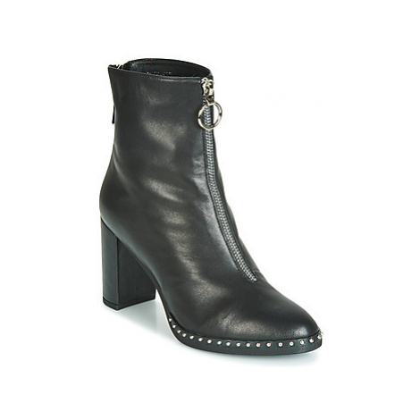 Metamorf'Ose FALLOS women's Low Ankle Boots in Black
