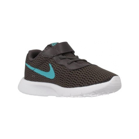 Nike TANJUN boys's Children's Shoes (Trainers) in Grey