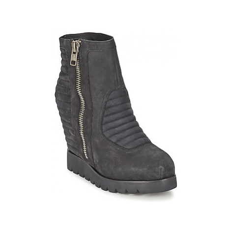 Ash TERRIBLE women's Low Ankle Boots in Black