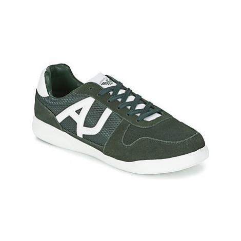 Armani jeans SOKORA men's Shoes (Trainers) in Kaki