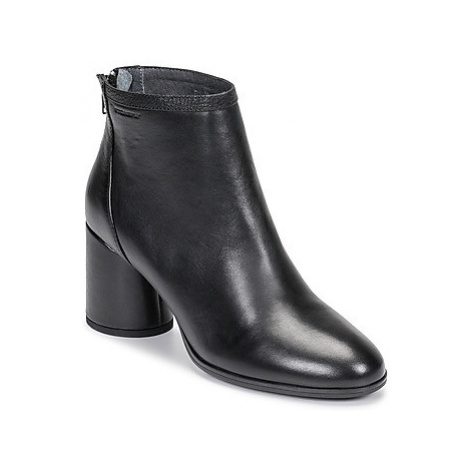 Stonefly MADAME 2 women's Low Ankle Boots in Black