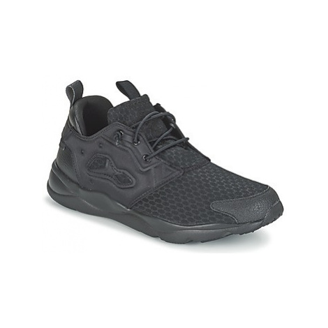 Reebok Classic FURYLITE men's Shoes (Trainers) in Black