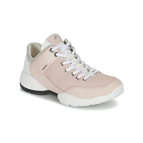 Geox SFINGE A women's Shoes (Trainers) in Pink