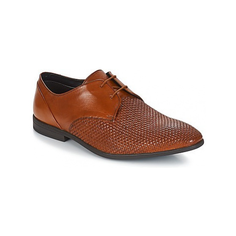 Clarks Bampton Weave men's Casual Shoes in Brown