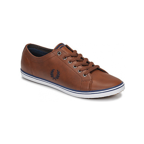 Fred Perry KINGSTON LEATHER men's Shoes (Trainers) in Brown