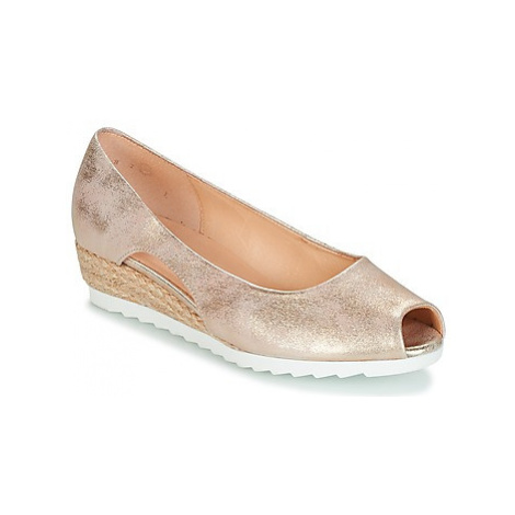 Gabor DEBESTIO women's Court Shoes in Gold