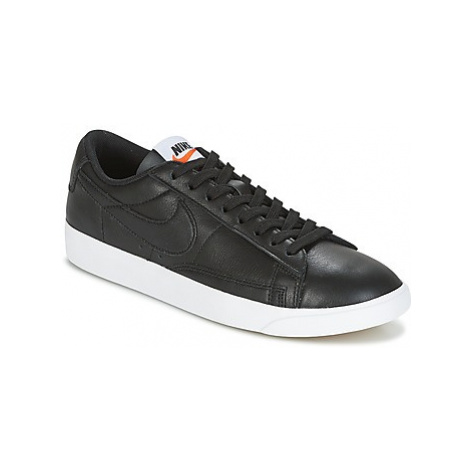 Nike BLAZER LOW LEATHER W women's Shoes (Trainers) in Black