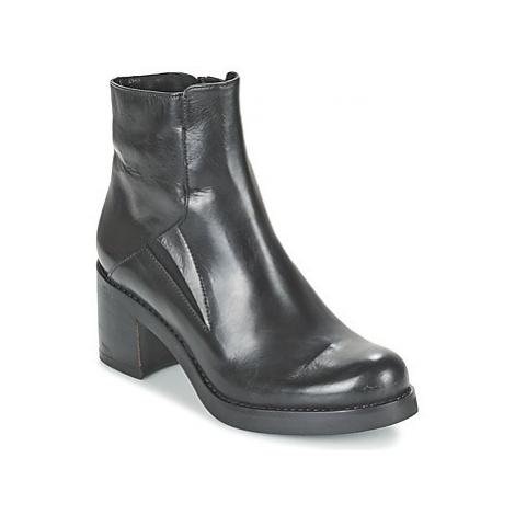 Lola Espeleta REBEL women's Low Ankle Boots in Black