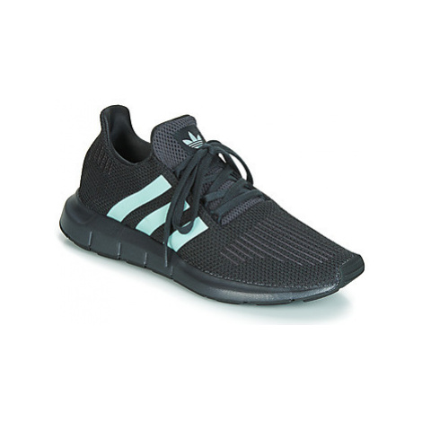 Adidas SWIFT RUN men's Shoes (Trainers) in Grey