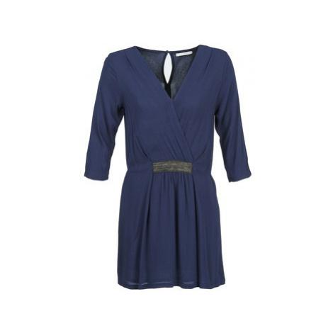 Betty London DUSTY women's Dress in Blue