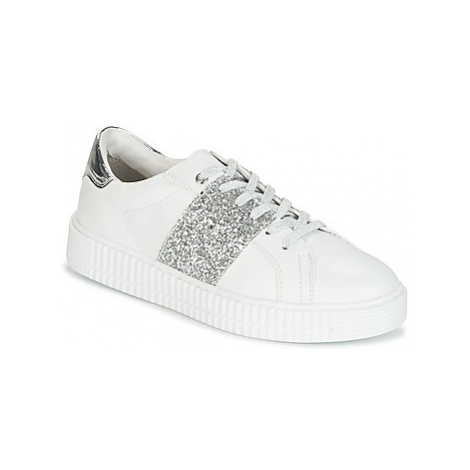 Marco Tozzi RAPER women's Shoes (Trainers) in White