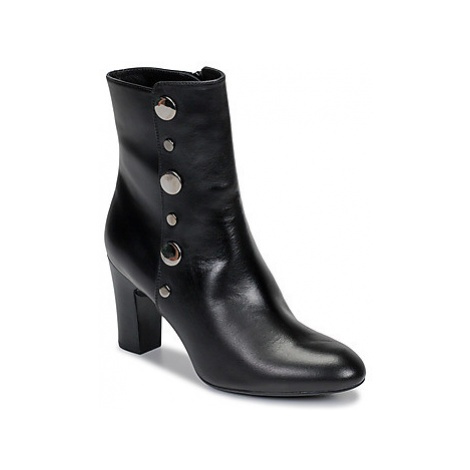 Unisa UGANDA women's Low Ankle Boots in Black