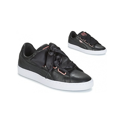 Puma WN SUEDE HEART LEATHER.BLA women's Shoes (Trainers) in Black