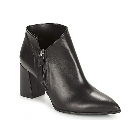 Paco Gil CARINE women's Low Ankle Boots in Black