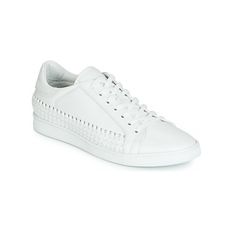 John Galliano 6712 men's Shoes (Trainers) in White