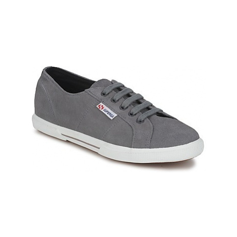Superga 2950 women's Shoes (Trainers) in Grey