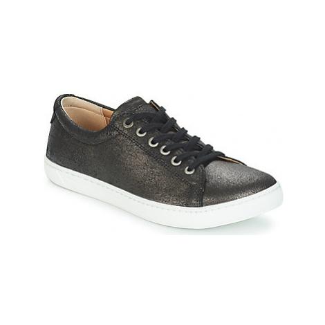 Birkenstock ARRAN WOMEN women's Shoes (Trainers) in Black